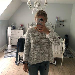White/gray sweater